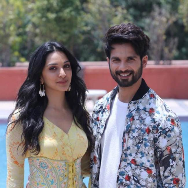 KABIR SINGH CROSSES 225 CRORE | ARTICLE 15 INCHES CLOSER TO 50 CRORE