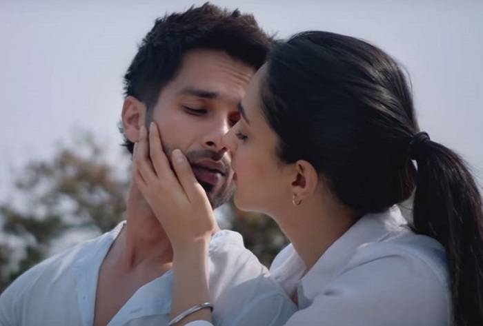 KABIR SINGH BEATS BHARAT AT BOX OFFICE | ARTICLE 15 FIRST WEEK COLLECTION